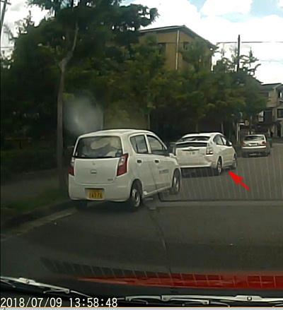 20180709_nuisanceparking_prius1.jpg
